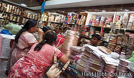 Bombay, the perfect city for shopping