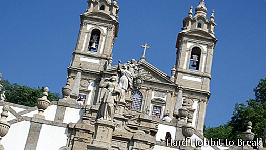 Bom Jesus do Monte Sanctuary, a low cost destination of great beauty for this summer